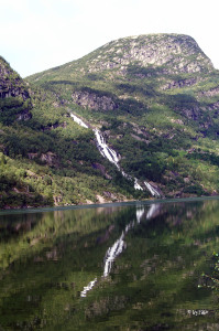 Wasserfall am Hardangerfjord