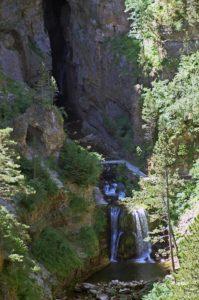Als Bramabiau tritt der Bonheur wieder aus dem Fels